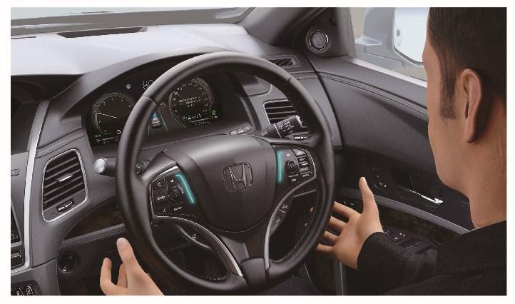 Man takes hands off Honda steering wheel